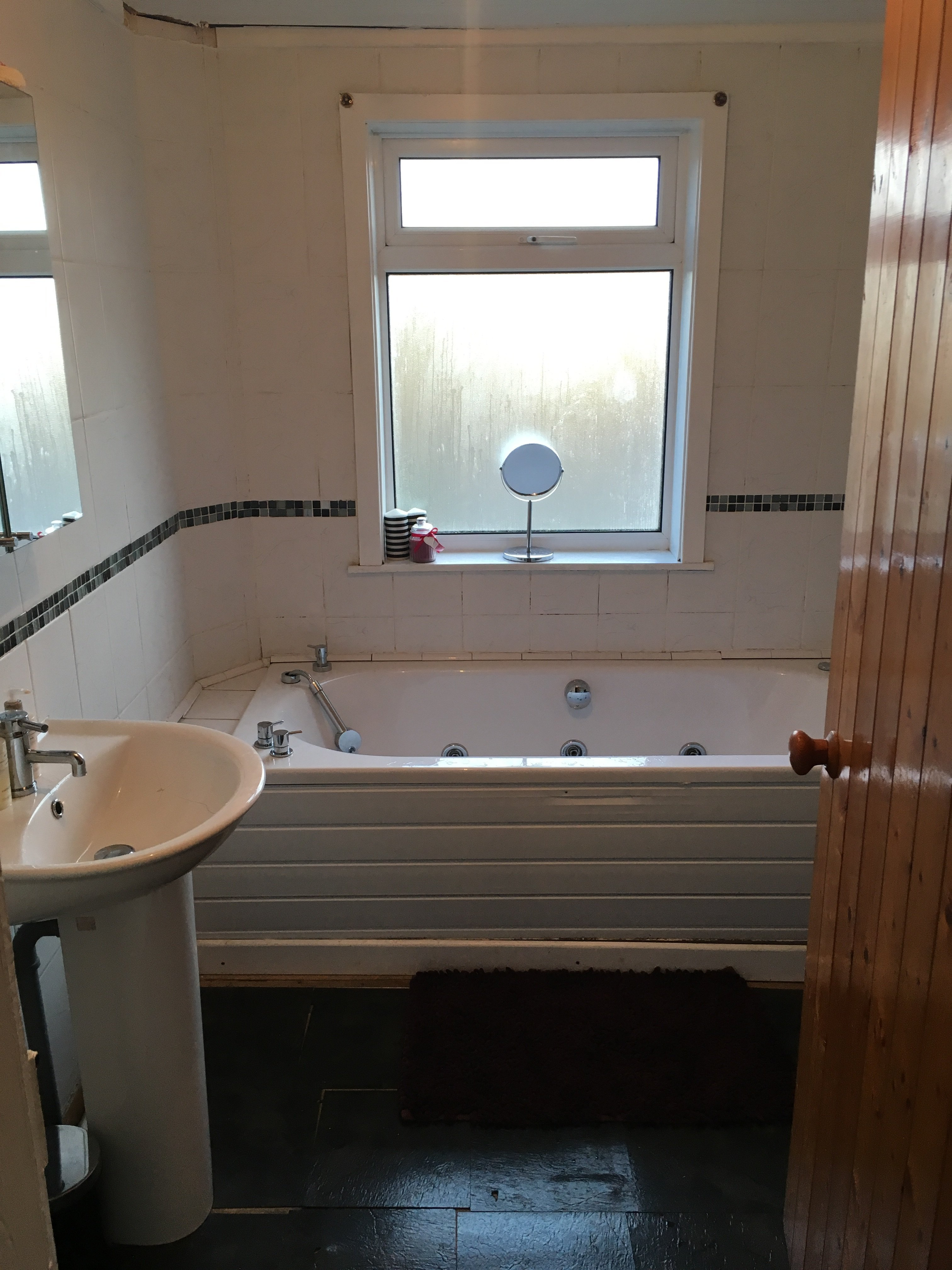 Full bathroom installation - Whether You Just Require Your Existing Bathroom Re Vamping Or Require A Full Bathroom Refurbishment We Are Able To Offer Solutions To Meet Each Individual